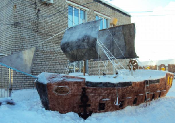 Танк, самолет и боевой корабль теперь есть у осужденных в Кирове